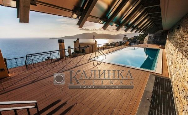 Luxury 2 level penthouse with private pool overlooking Ligurian Gulf in Chiavari
