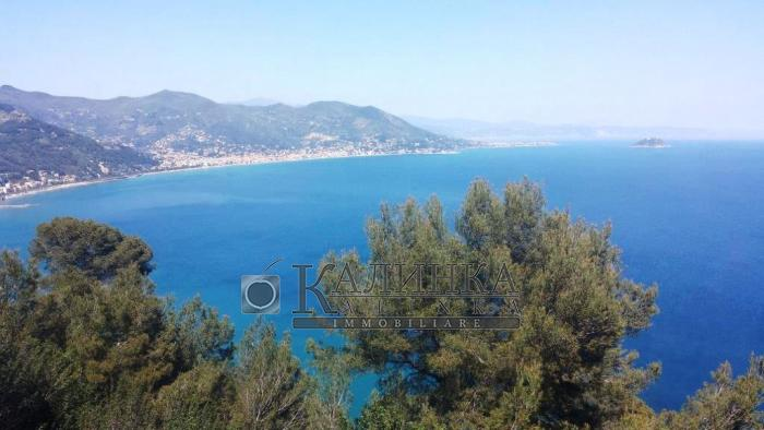 Villa with panoramic seaview in Pinamare (Andora)