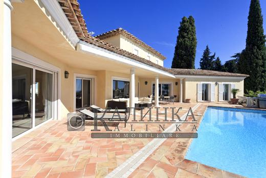 Villa with panoramic view and garden