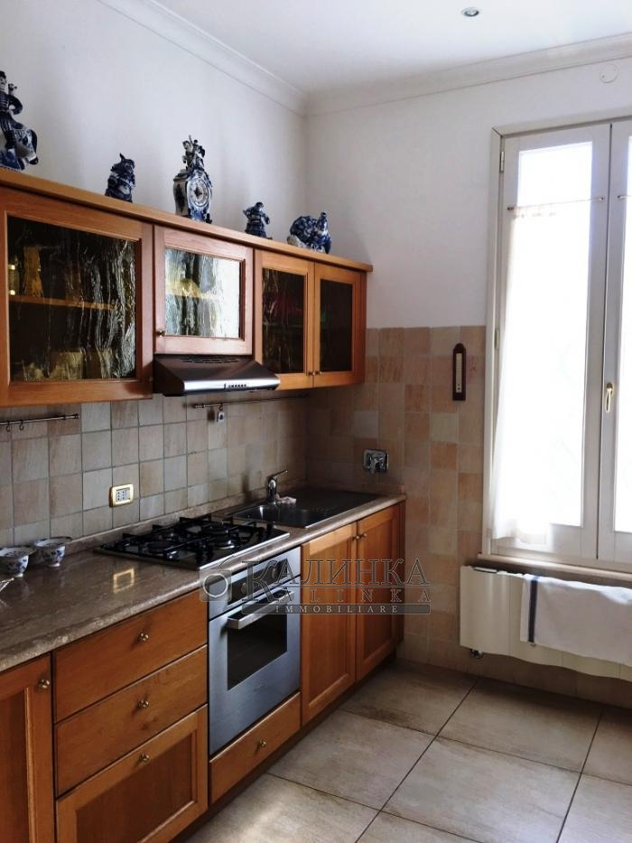 Villa in Olgiata nearby Rome with land of 1 ha.