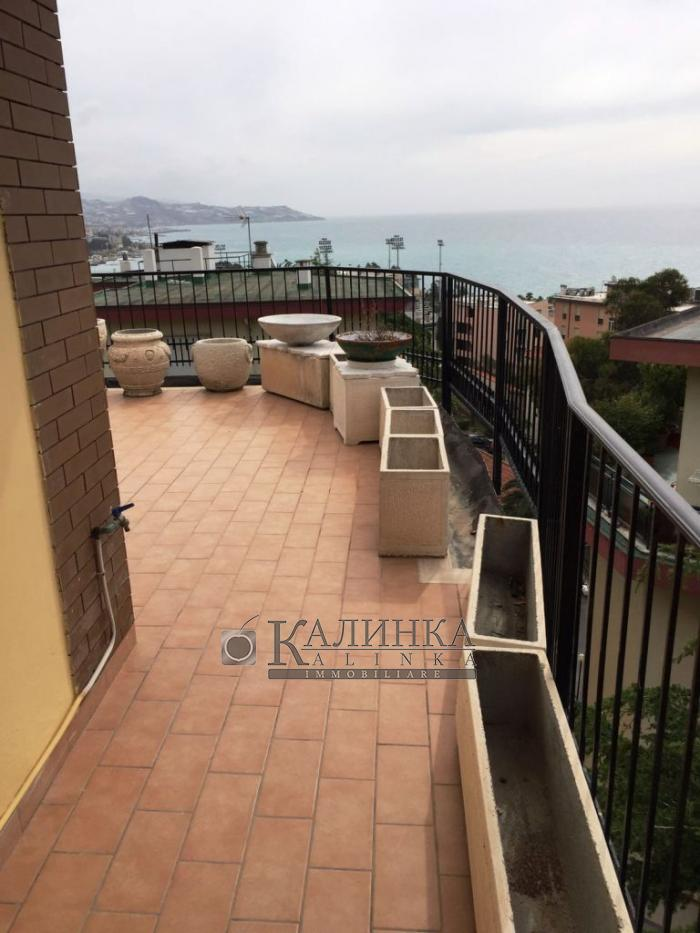 Penthouse with seaview in Sanremo