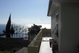 Villa with land in Santo Stefano Al Mare